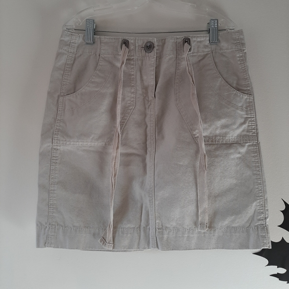 LOFT Dresses & Skirts - Loft Petite Skirt